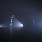 Near Miss - The Happy Living Trilogy #3 MOUVOIR Trio für drei Tänzerinnen und drei ferngesteuerte Kollaborateure (2012)